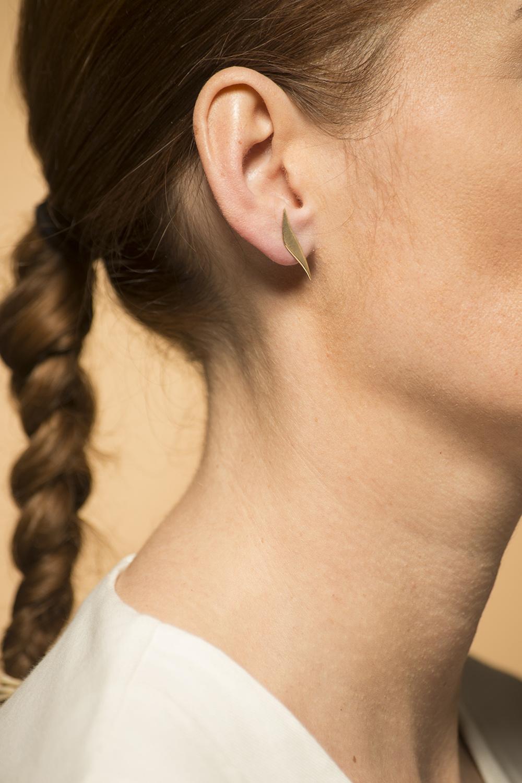Geelgouden oorstekers gematteerd -  Wave-6