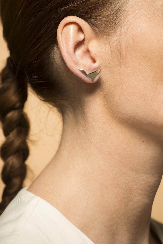 Gouden dames oorstekers - Archi   - Breed-1