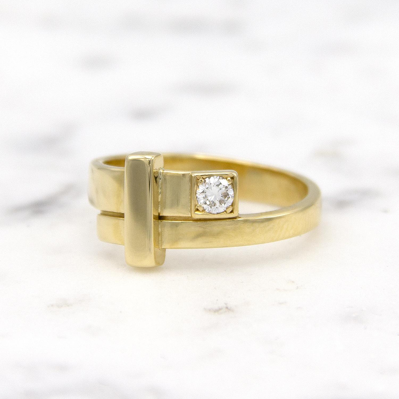 Geelgouden ring dames met diamant - Mondria-1