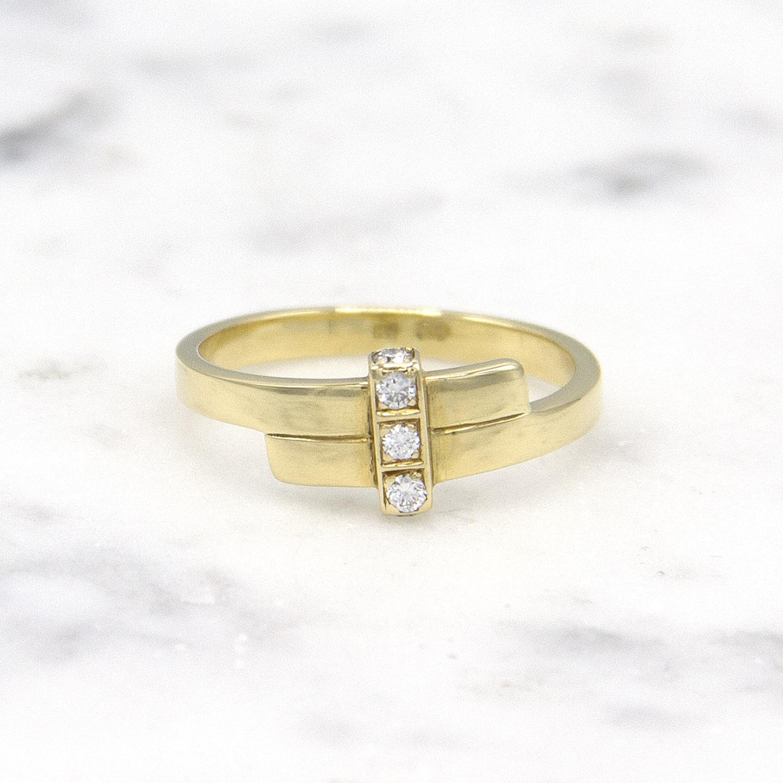 Geelgouden ring met 5 diamanten - Mondria-1