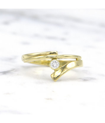 14 karaat geelgouden ring met diamant - Smedy