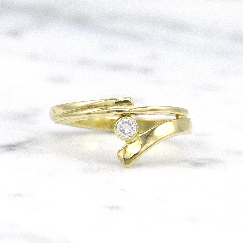 Geelgouden ring met diamant - Smedy-1