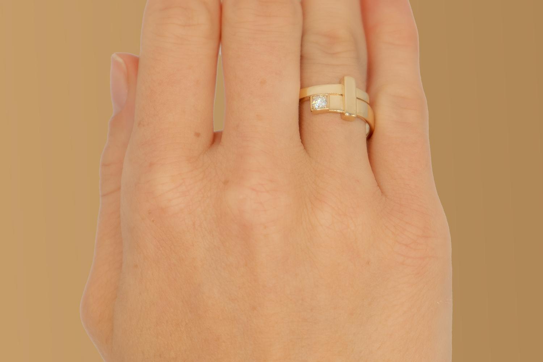 Geelgouden ring dames met diamant - Mondria-2