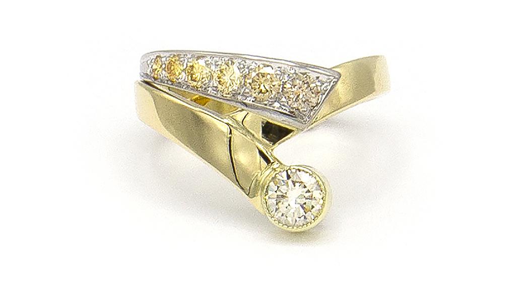 Geelgouden ring met kleur diamanten - Trio-3
