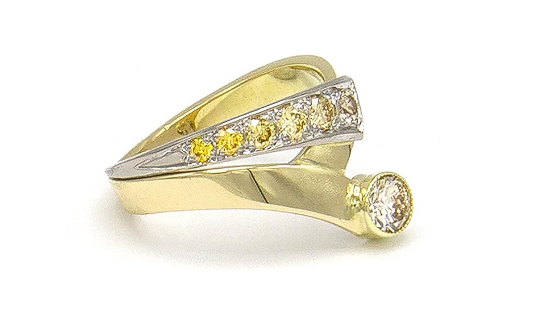 Geelgouden ring met kleur diamanten - Trio-4