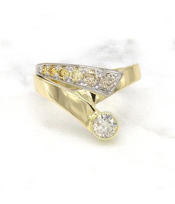 14 karaat geelgouden ring met kleur diamanten - Trio