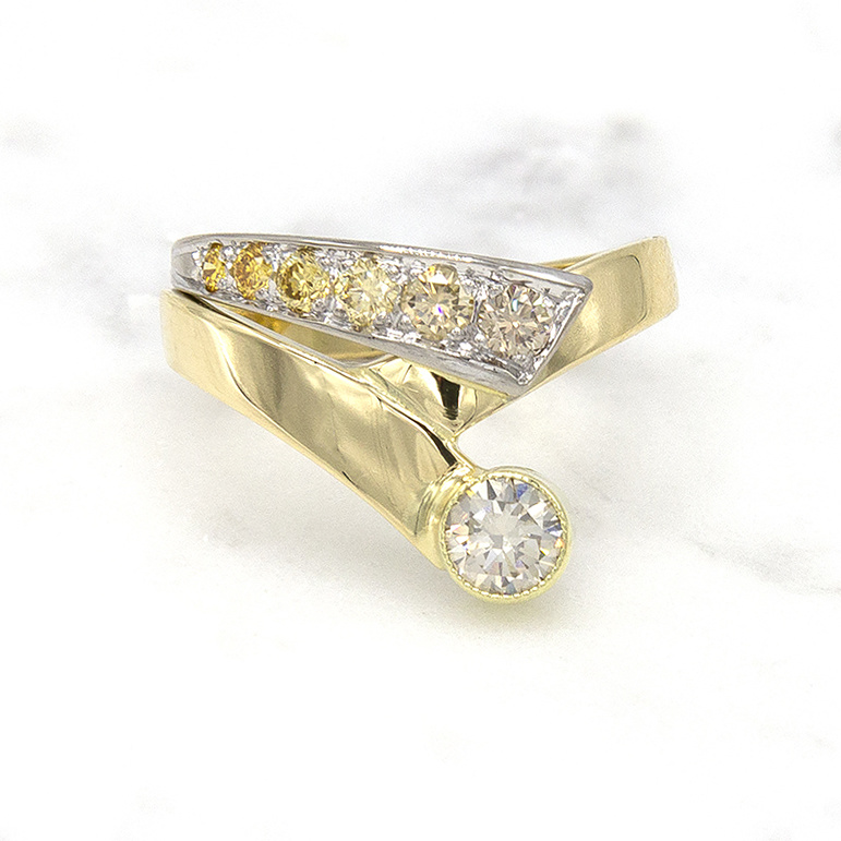 Geelgouden ring met kleur diamanten - Trio-1