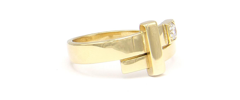 Geelgouden ring dames met diamant - Mondria-3
