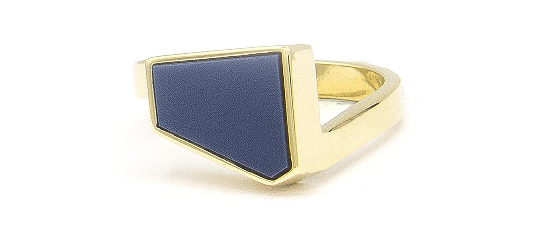 Geelgouden zegelring met blauwe lagensteen - Straight-5