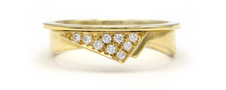 Geelgouden damesring met diamanten  - Trio-4