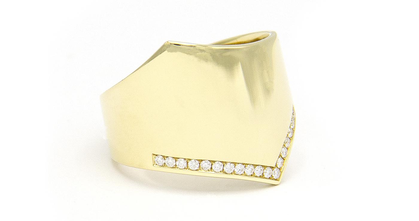 Geelgouden damesring met diamanten - Wave-3
