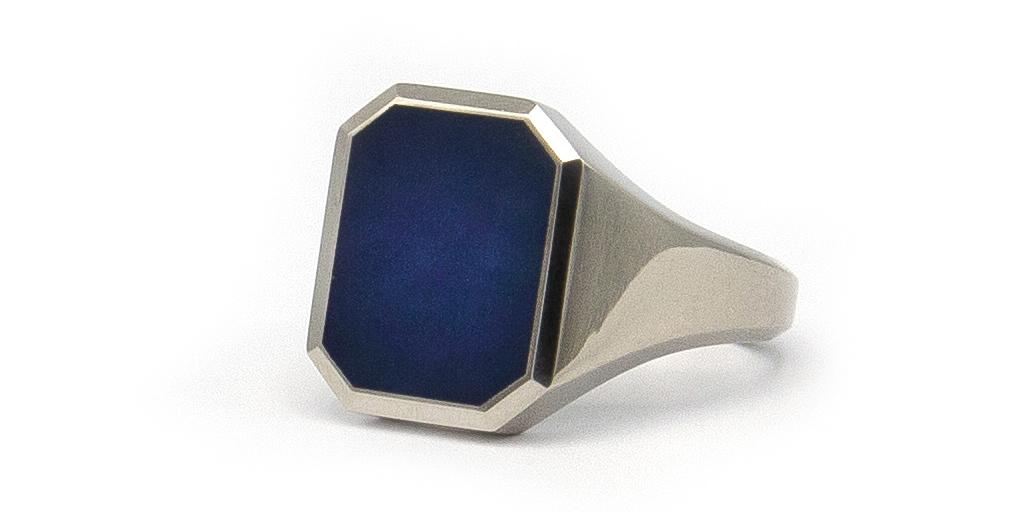 Assieraad - Witgouden zegelring met blauwe lagensteen-5