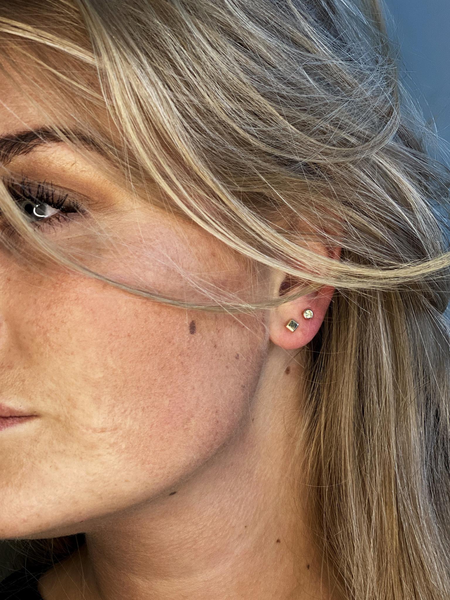 14 karaat geelgouden oorstekers - Jackie  - Block Studs-2