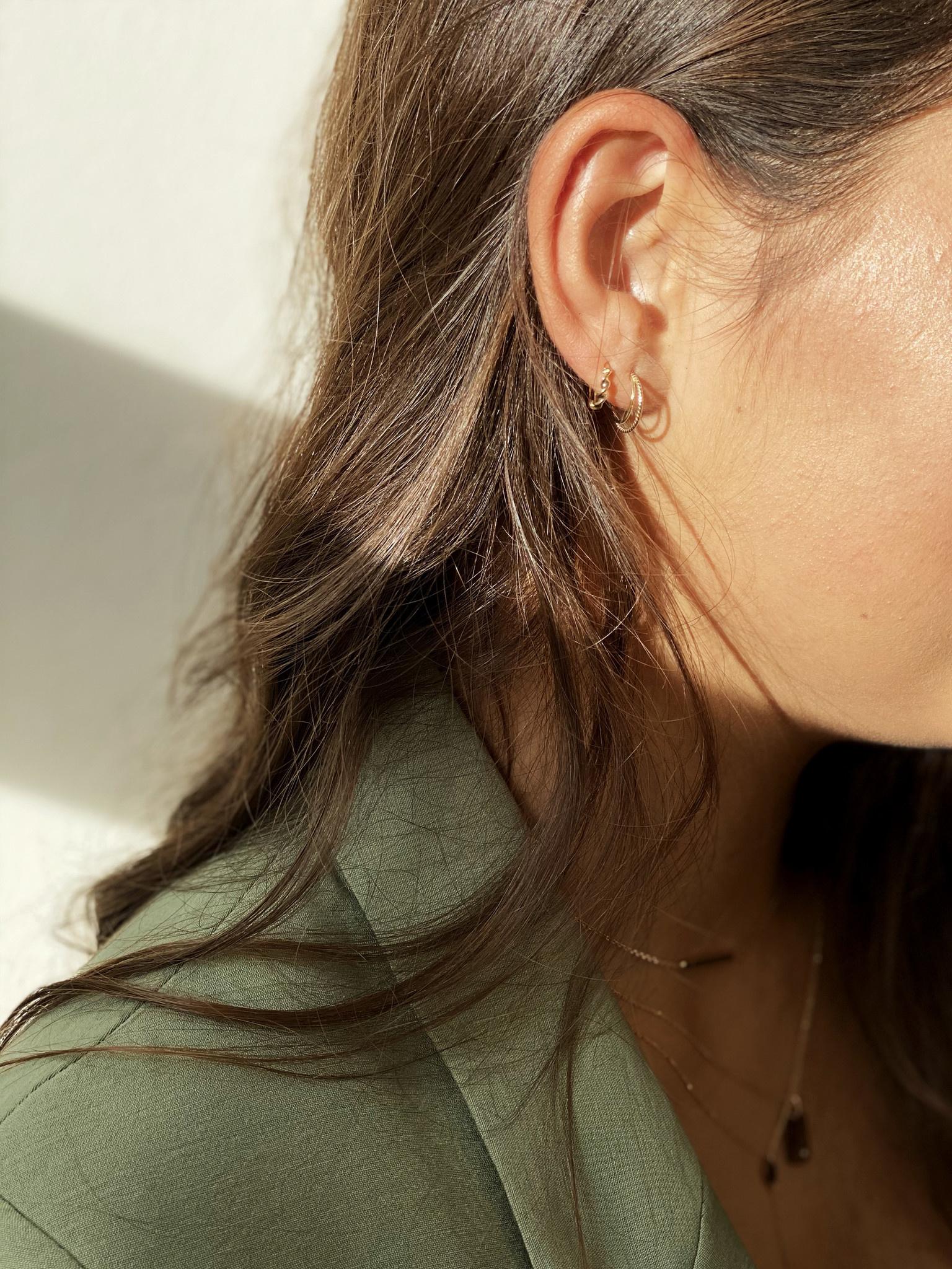 14 karaat geelgouden oorstekers - Jackie  - Twister Twin Hoops-2