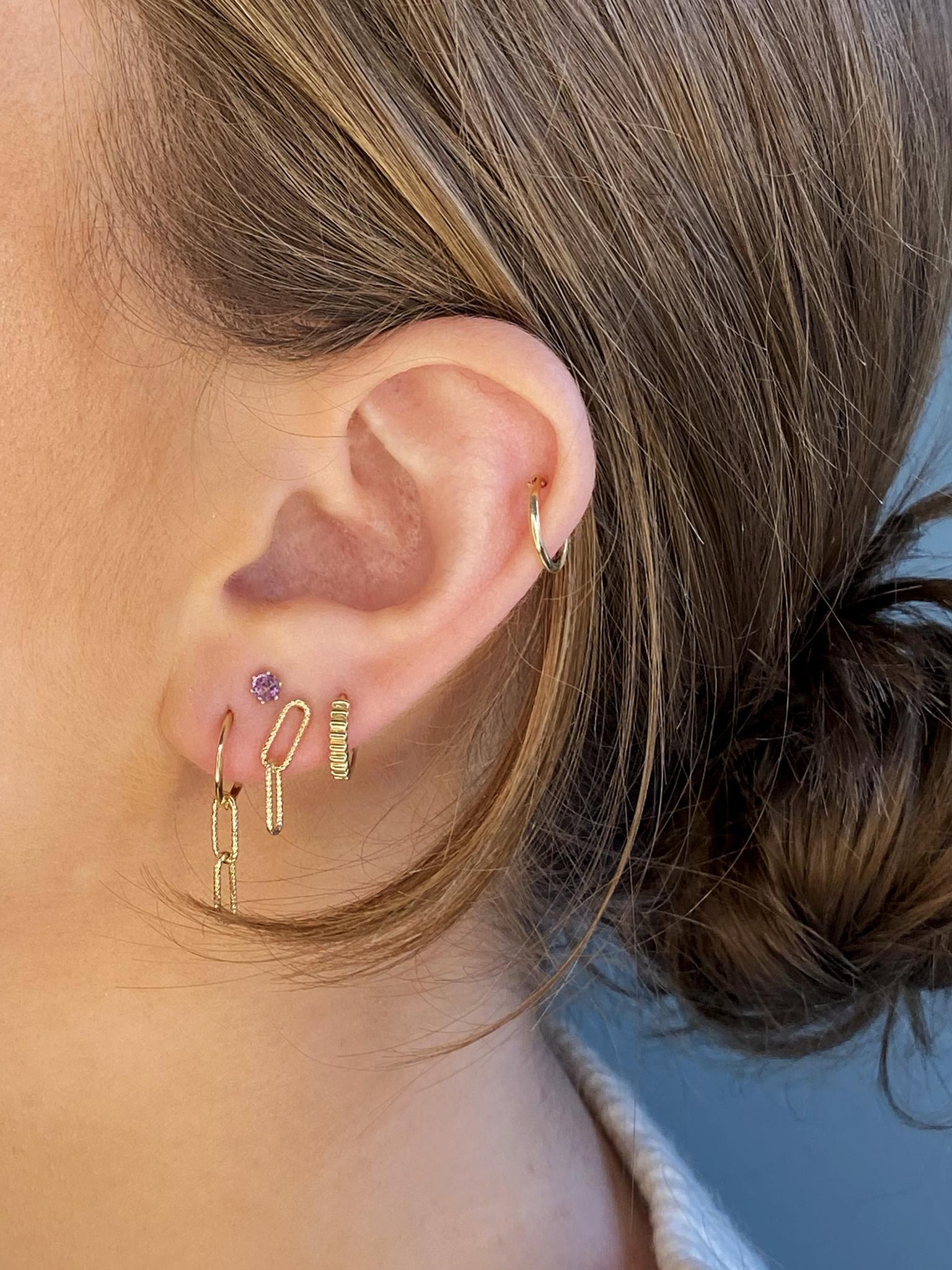 14 karaat geelgouden oorstekers - Jackie  - Mini Plain Hoops-2