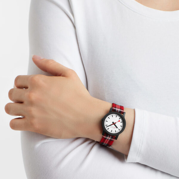 Mondaine - Horloge Dames - Essence - MS1.32111.LC-2