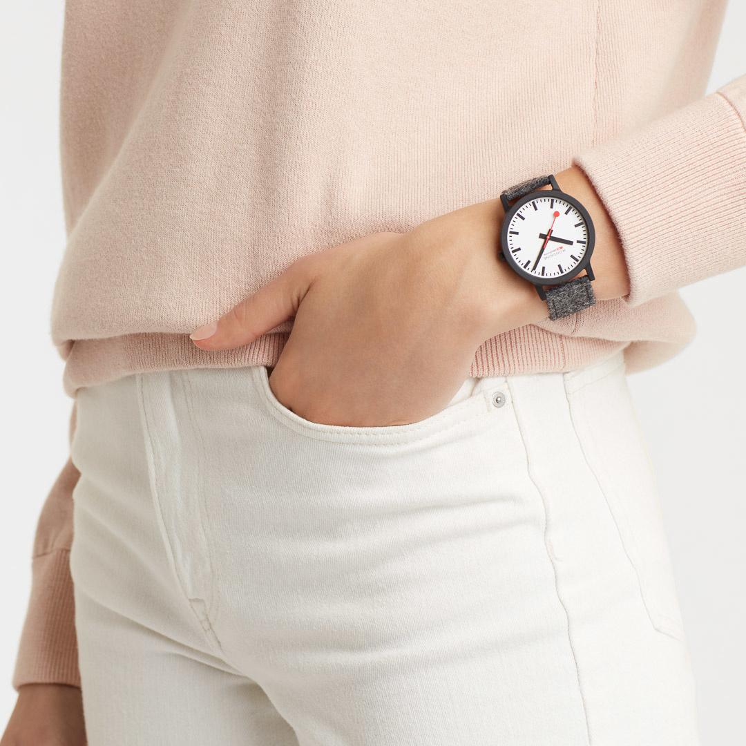 Mondaine - Horloge Unisex - Essence - MS1.41110.LH-3