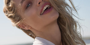 BEACH WAVE HAIRSTYLES: GET THE LOOK