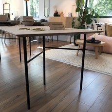 Ferm Living Mingle Table - Top 210 cm Oak + Legs W68 Black - SHOWROOM MODEL