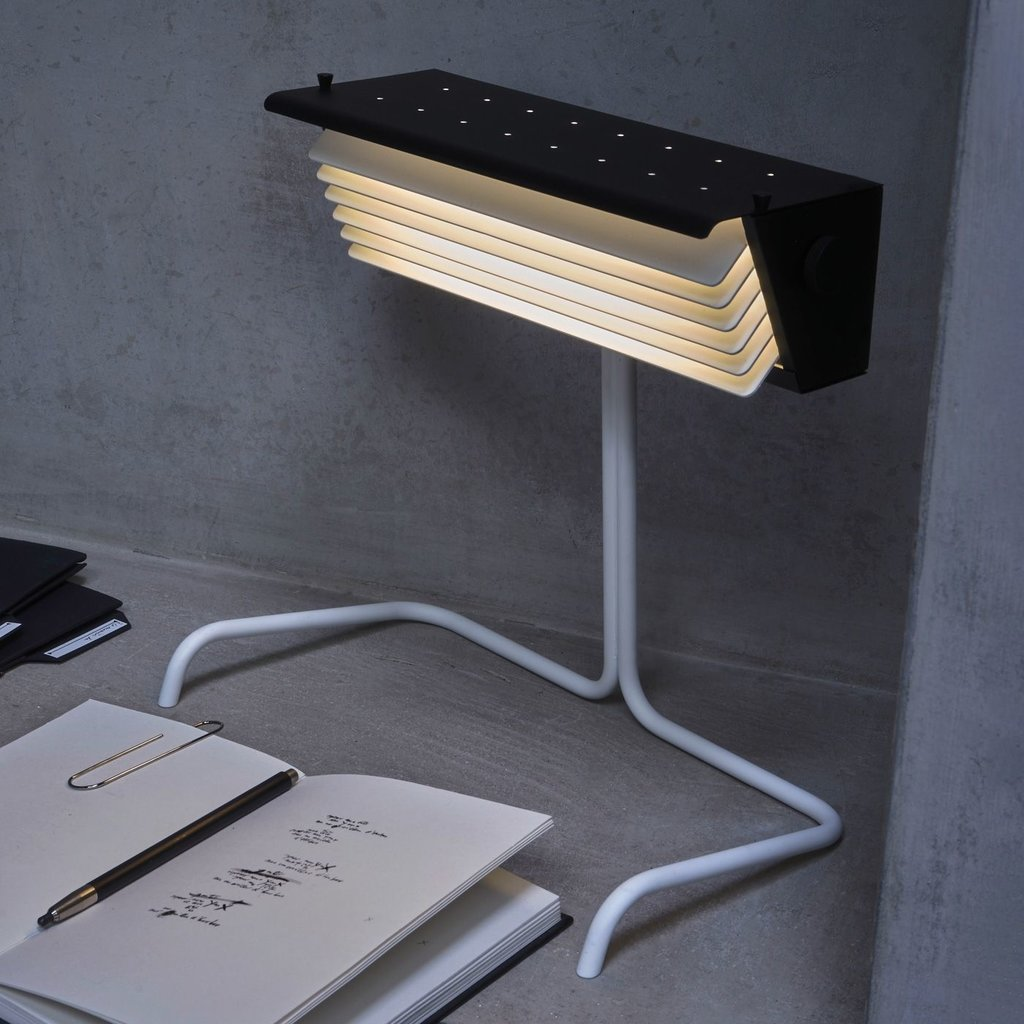 DCW editions Biny Table SW BL-W Lampe Noire