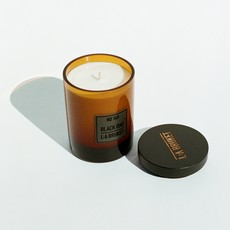 L:A Bruket Scented Candle Black Oak 260g  - LIMITED EDITION