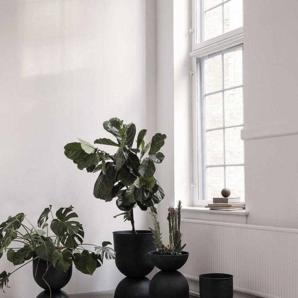 Ferm Living Hourglass Pot - Medium - Black/Dark G