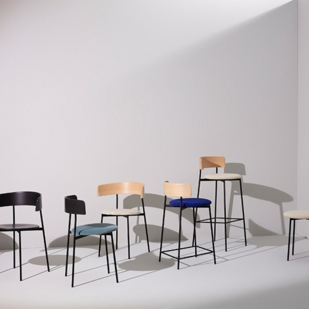 Fest Amsterdam friday chair - with arms - black back - black seat
