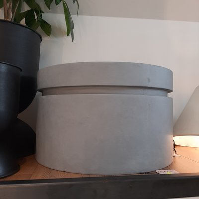 Serax PLANTENPOT M L75 x B75 x H45 CM GRIJS - SHOWROOM MODEL