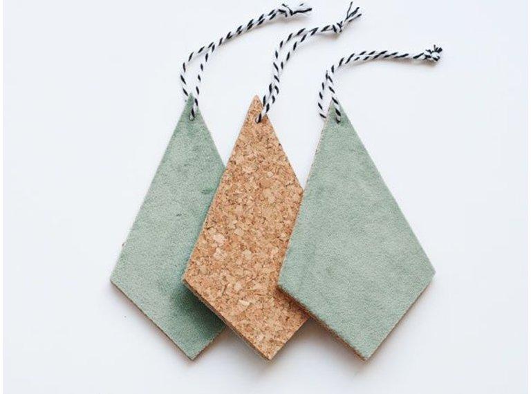 Wonen voor jou Drie hangers kurk met mosgroen velours