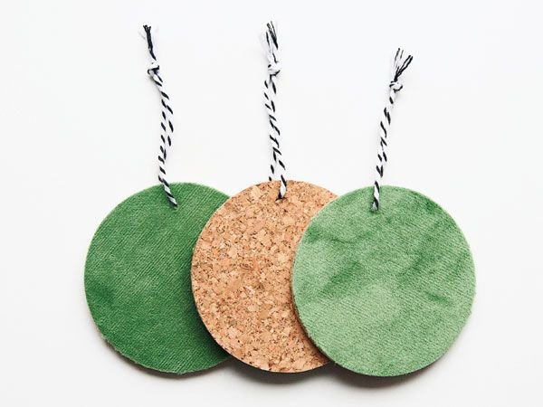 Hangers rond groen