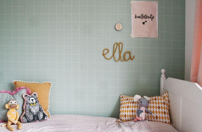 Meisjeskamer roze mintgroen bed