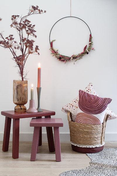 Krans droogbloemen en andere woondecoratie
