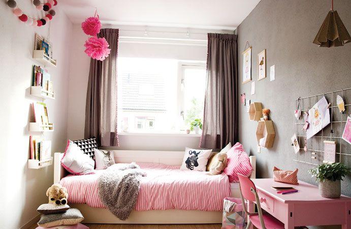 Meisjeskamer in roze met grijs