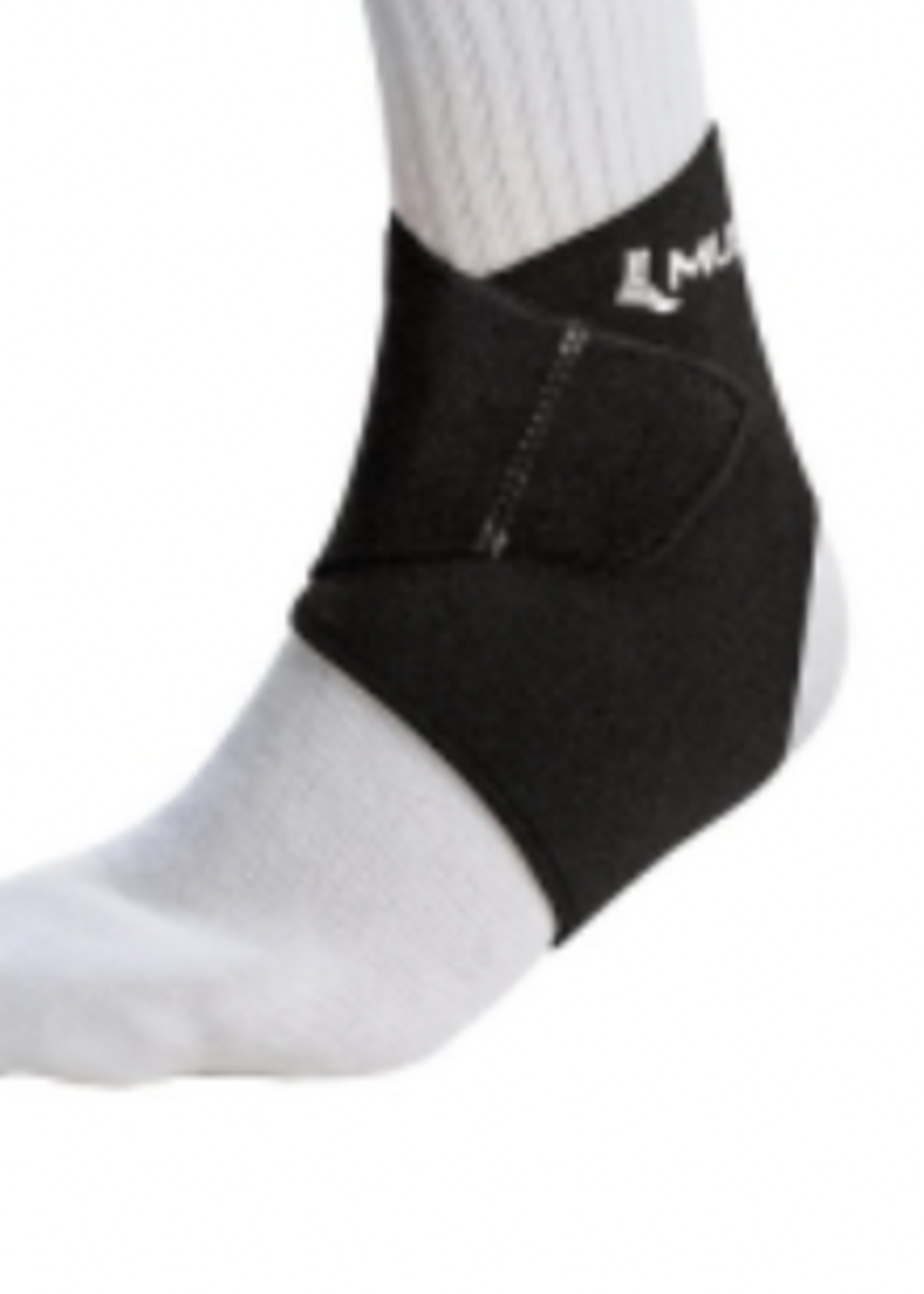 MUELLER MUELLER  Adjustable Wraparound Ankle Support