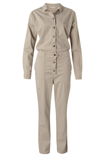 yaya Jumpsuit with worker
