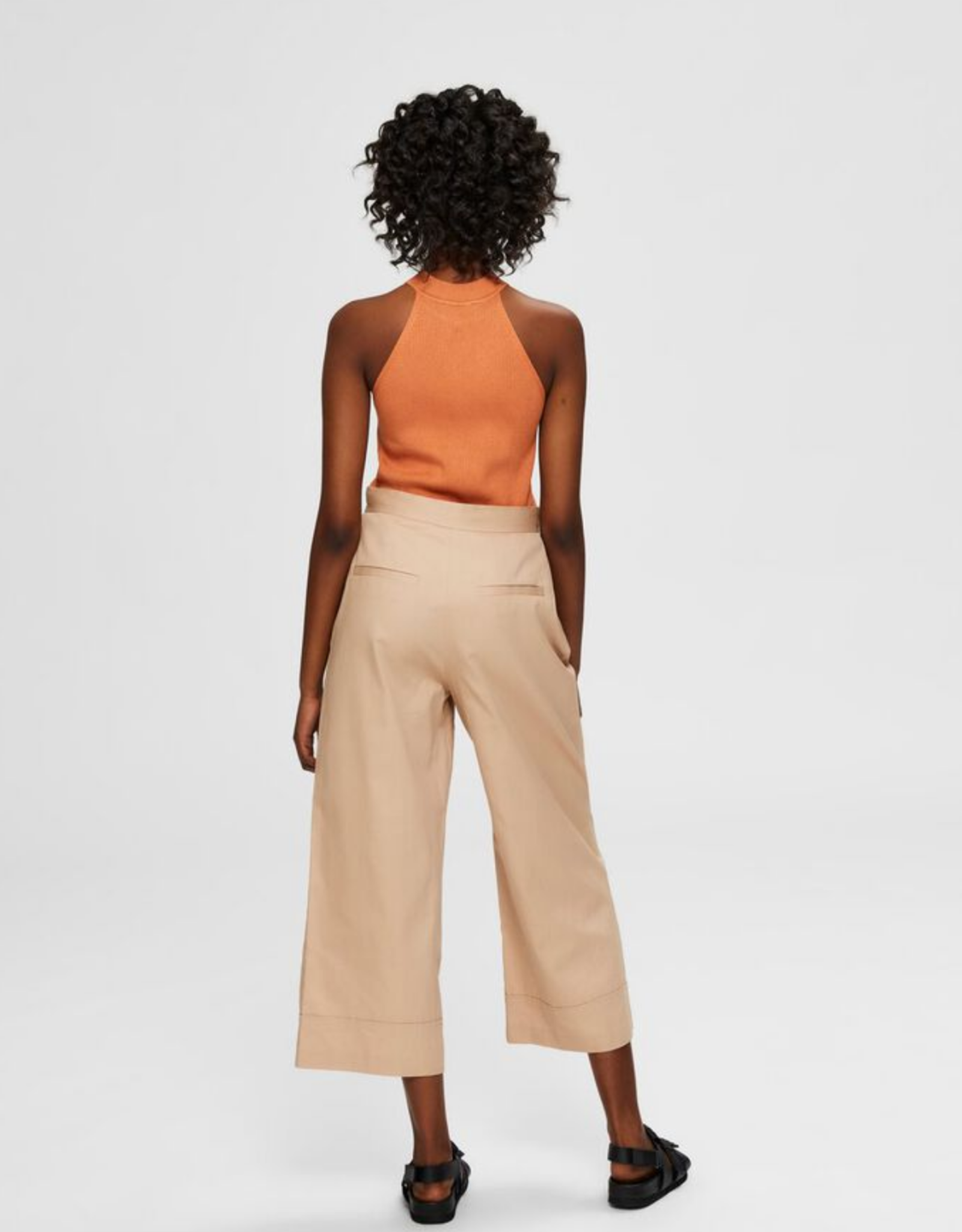 Selected Femme Wave Cropped Pants beige