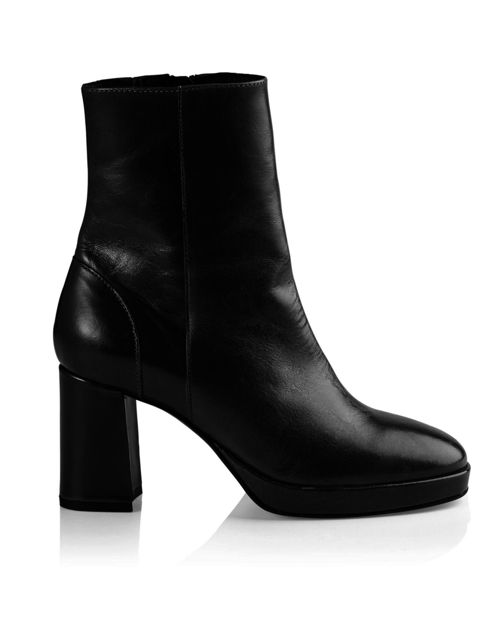 Asta leather black