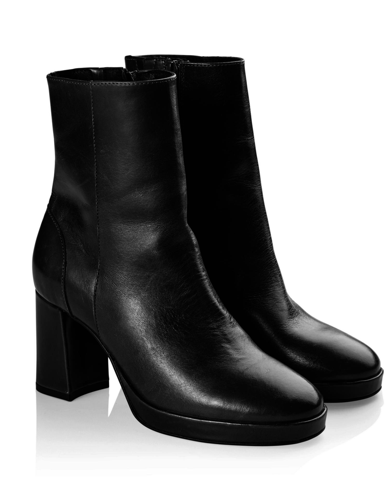 Pavement Asta leather black