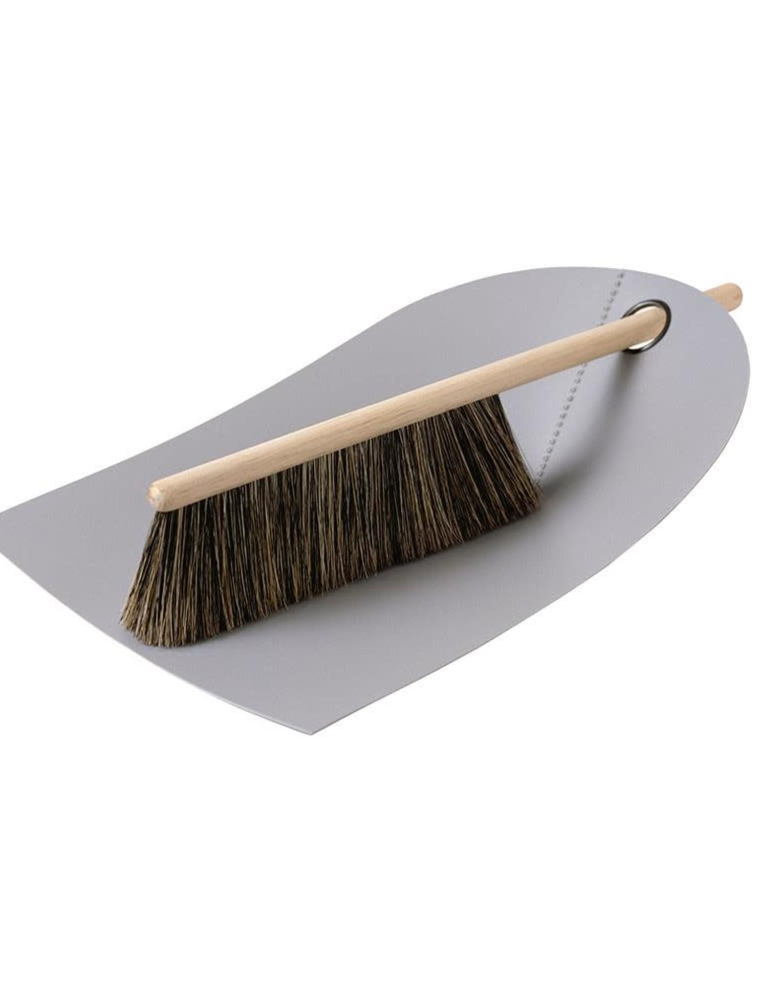 Normann Copenhagen Normann Dustpan & Broom light grey