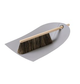 Normann Copenhagen Normann Dustpan & Broom light grey