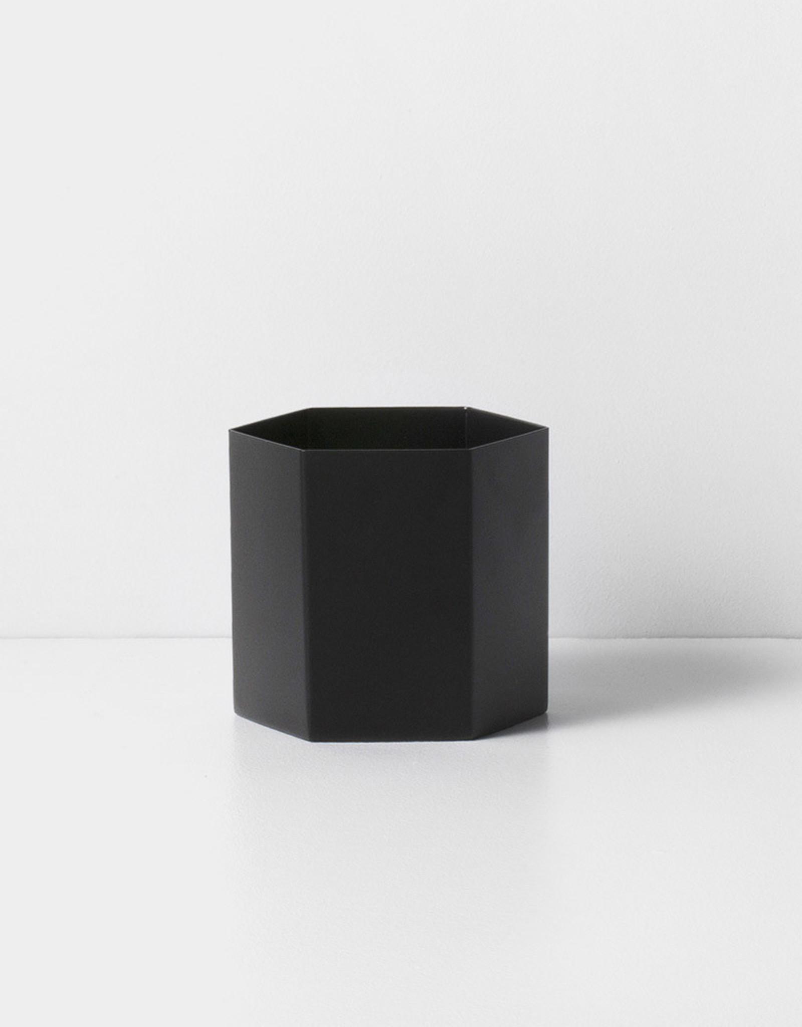 Ferm LIVING ferm LIVING Hexagon Pot Large Black