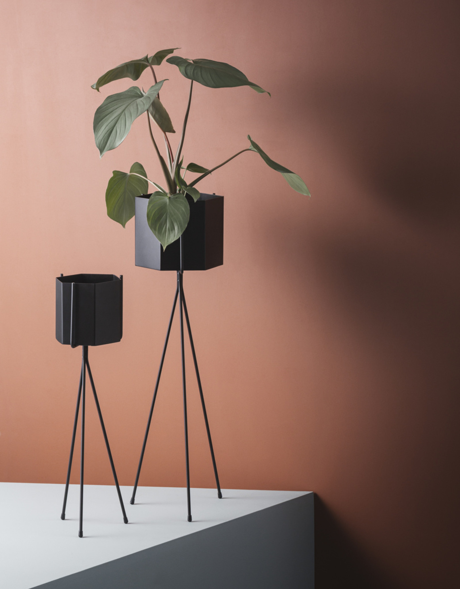 Ferm LIVING ferm LIVING Plant Stand - Light Grey - Low
