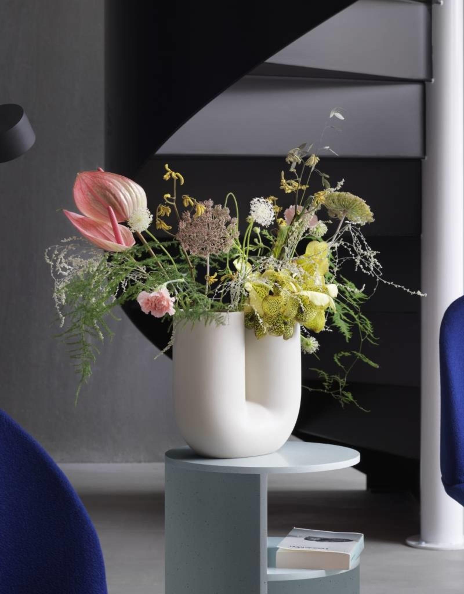 Muuto Muuto Kink Vase Light Blue