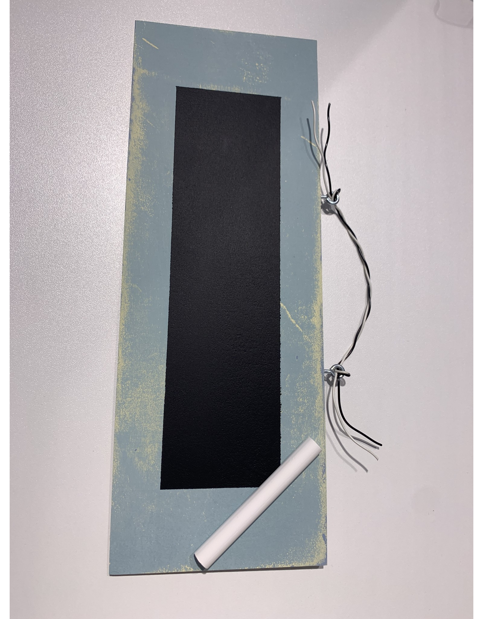 Kreidentafel blau mit Kreide