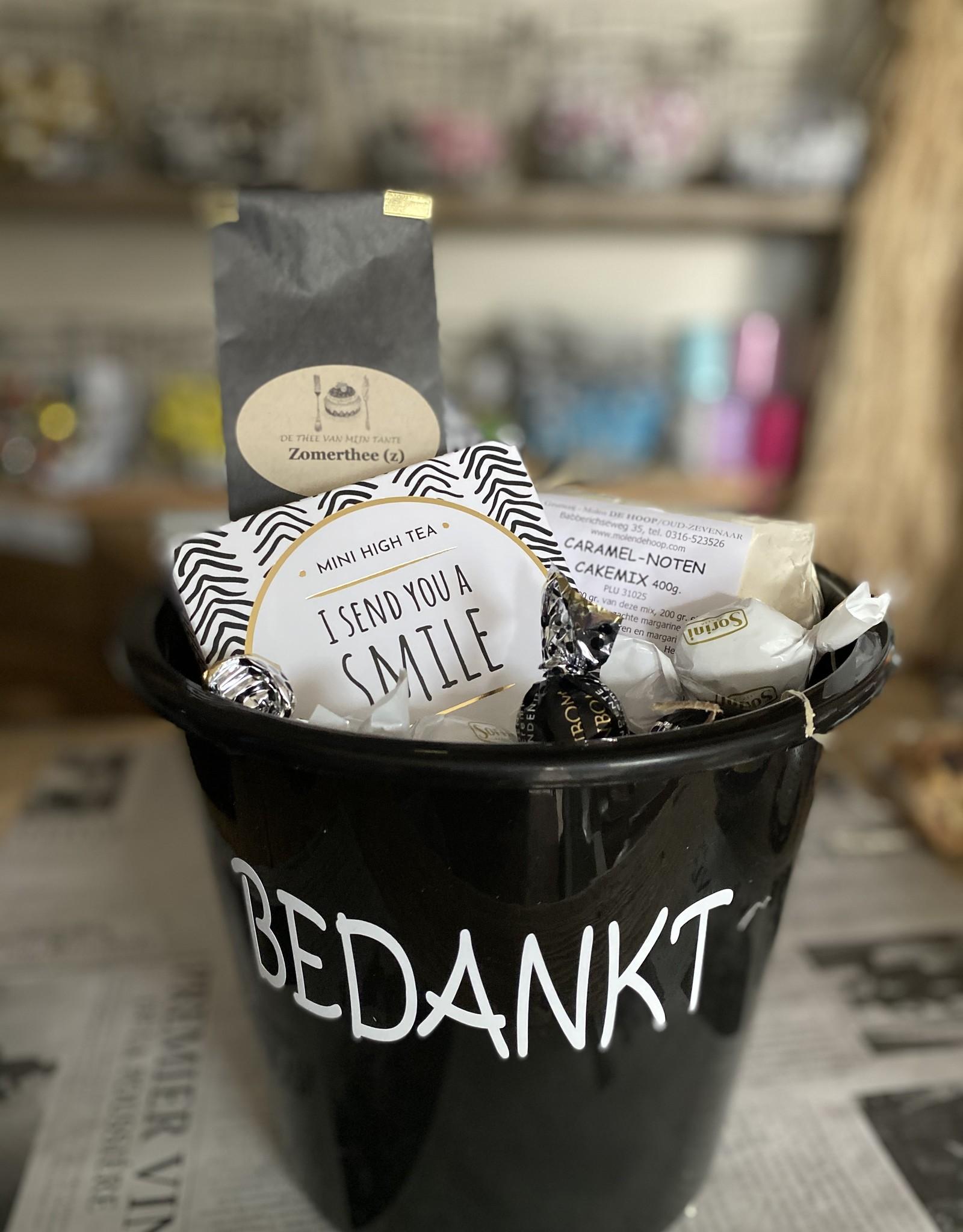 Bedankt pakket - Mini high tea met bakmix in emmer