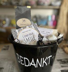 Bedankt pakket - Mini high tea met bakmix emmer