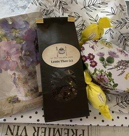 Cadeaupakket thee  met bloemenblikje