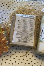 Bakpakket met Zuster Evie Bakmix en chocolade
