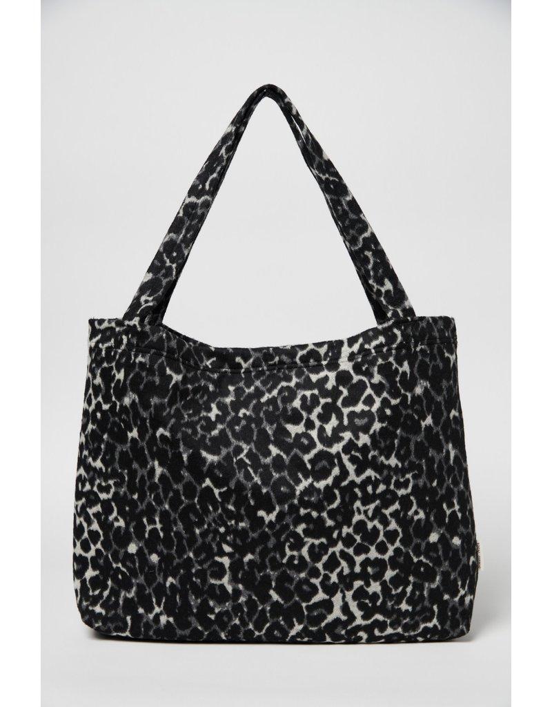 Studio Noos Jaguar mom-bag