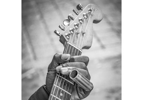 Dutch Art Explosion Always playin guitar